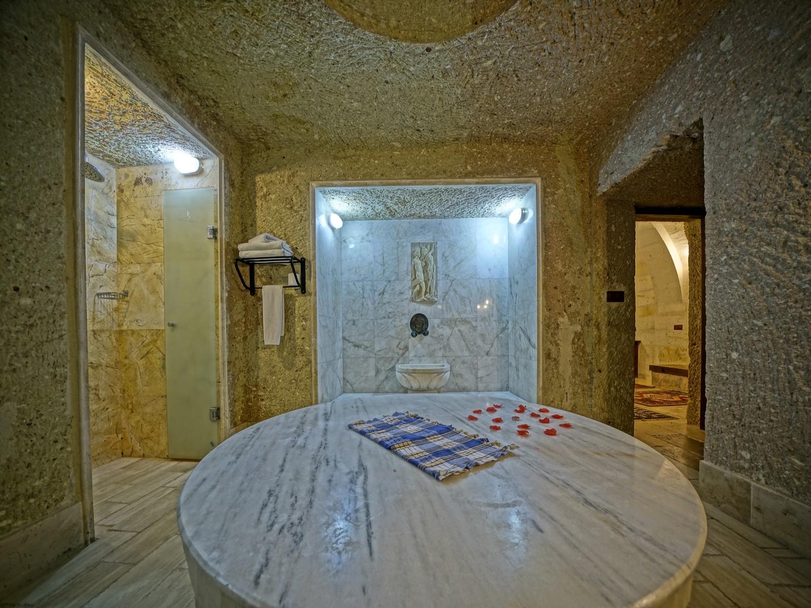 512 Hamamlı Lüks Suit Oda